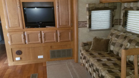 35' Rental Living Room